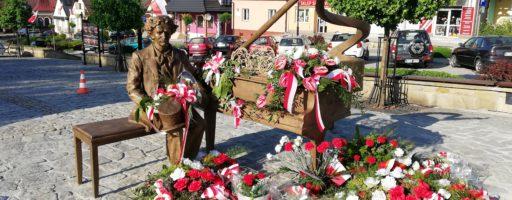 Mistrz Paderewski na  Rynku w Ciężkowicach