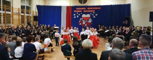 Zborowice – śpiew i taniec dzieci oraz gra orkiestr OSP Ciężkowice i Siedliska dla Niepodległej