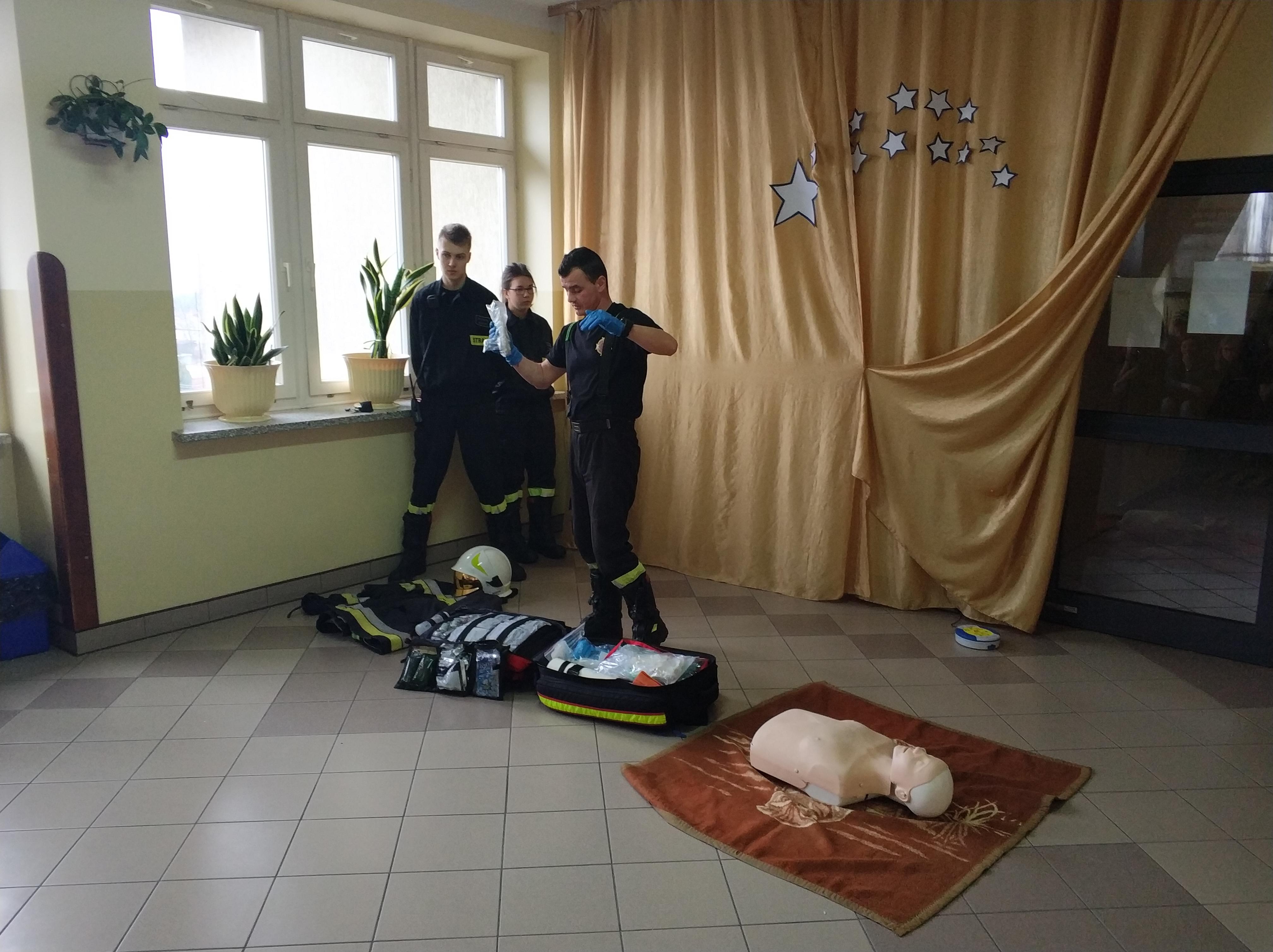 Strażackie szkolenie z pierwszej pomocy