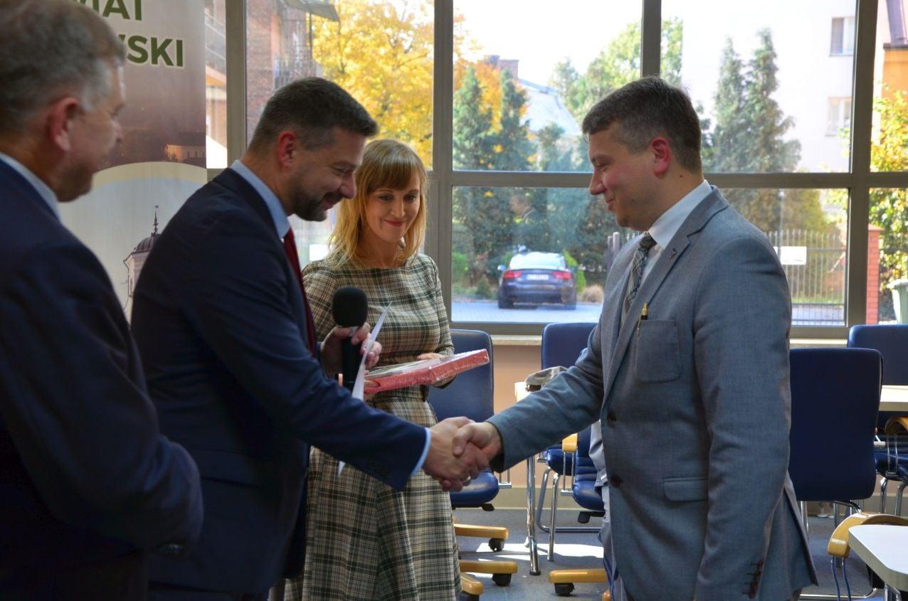 Rozdanie certyfikatów IPN/MEN – Starostwo Powiatowe w Tarnowie