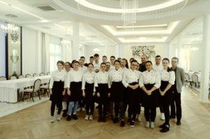 """Karnawałowe warsztaty w restauracji """"Słoneczne Wzgórze"""" w Rzepienniku Biskupim"""