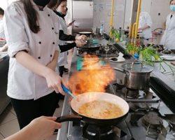 Kurs kelnerski z flambirowaniem